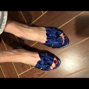Flat satin sandals